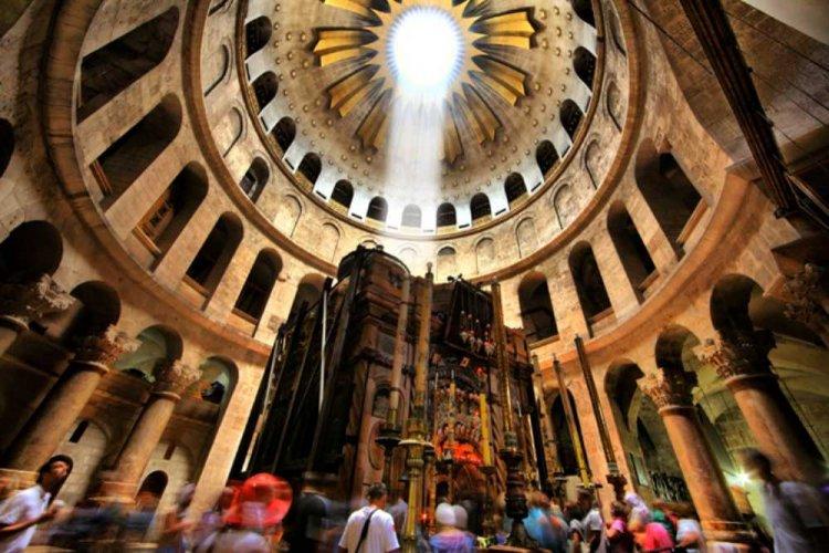 atr-olc-crd-the-golgota-church-of-the-holy-sepulchre-noam-chen